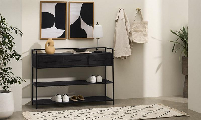 cómo decorar con muebles de color negro