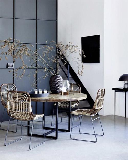 mesa y sillas de ratán de house doctor