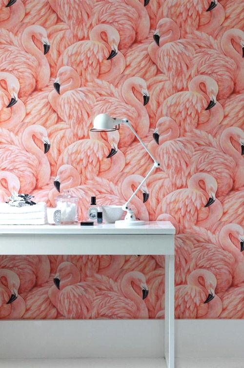 Papel pintado de paredes de estilo tropical en tonos rosas