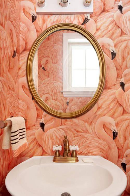 papel pintado en la decoración de la pared del lavabo