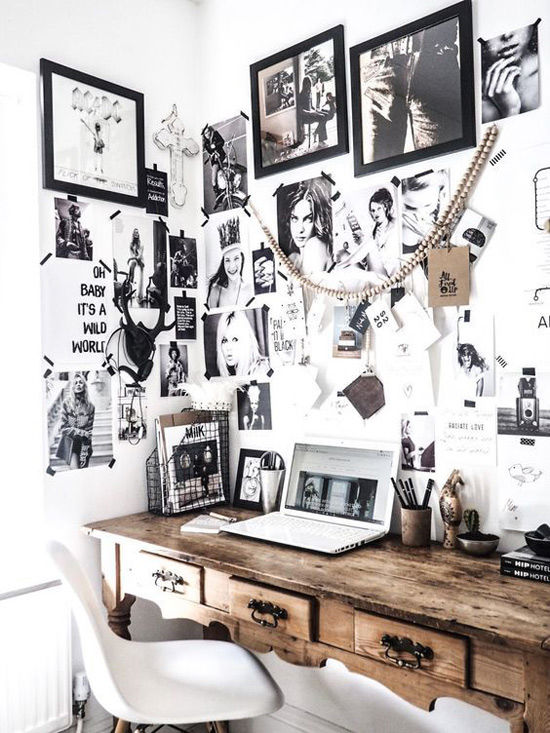 Pared decorada con fotos en una casa de estilo nórdico