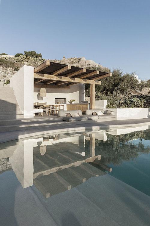 piscina en una casa de veraneo