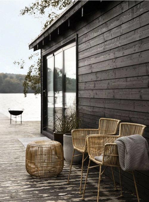 Muebles de ratán en la decoración de terrazas y el jardín
