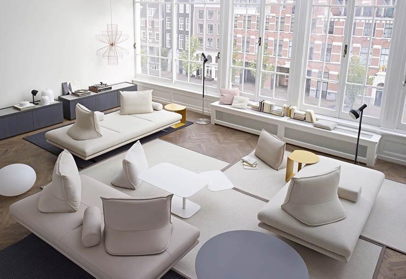 Colores crema en un salón moderno