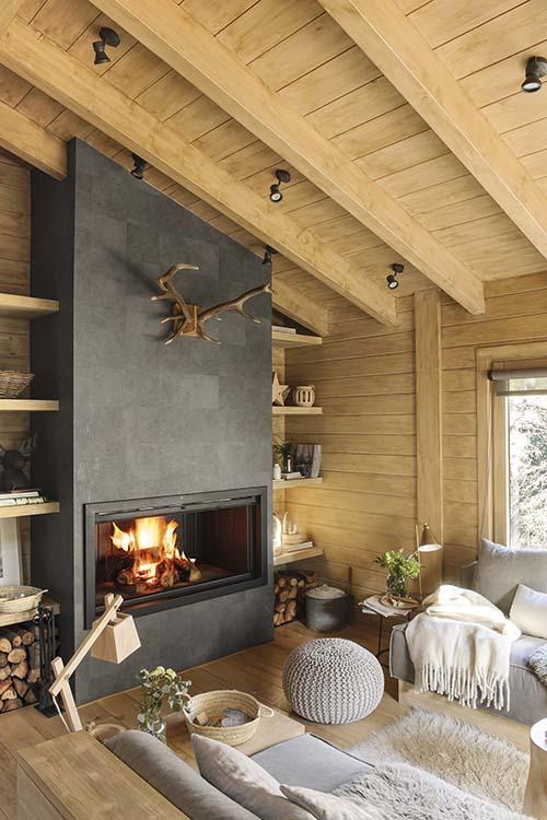 Salón de madera de estilo nórdico