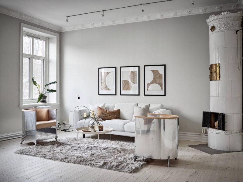 Sala de estar pintada de color gris claro