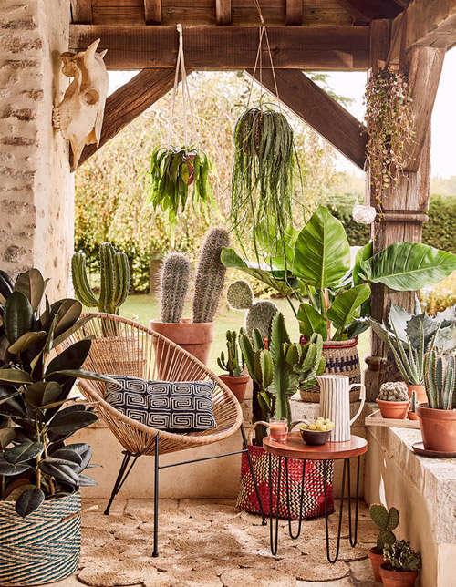 Silla Acapulco, diseño y estilo en la terraza de casa