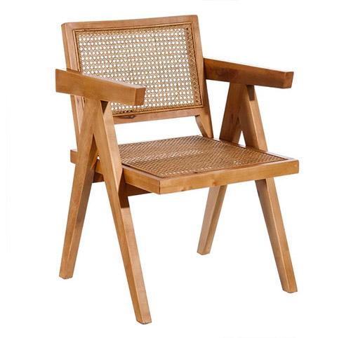 silla de madera y ratán