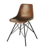 silla de cuero marrón de estilo industrial