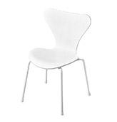 silla blanca de estilo nórdico