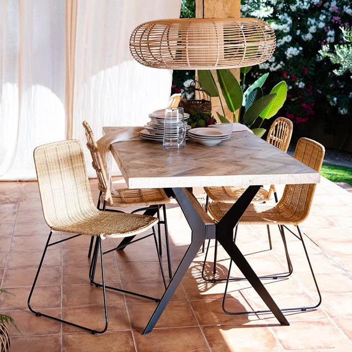 Sillas de exterior para decorar la terraza o el jardin