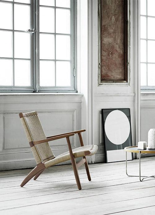 butaca de madera de estilo y diseño nórdico