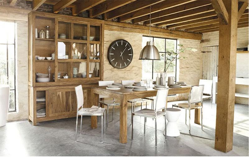 cómo decorar un comedor con muebles de madera maciza