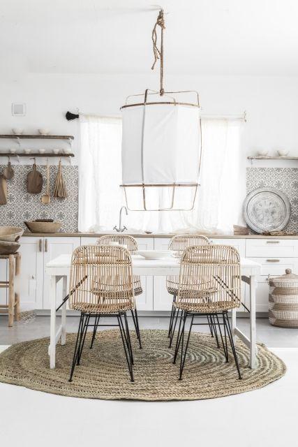 Mobiliario de mimbre en la decoración de estilo nórdico