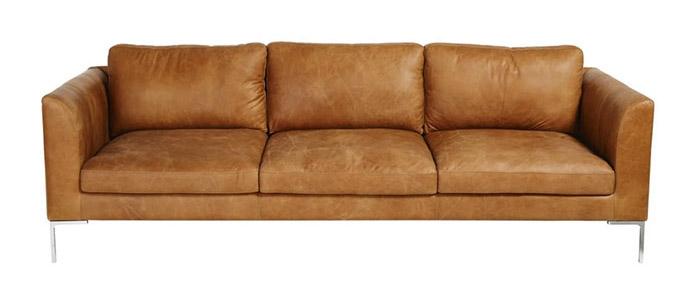 sofá de piel natural de color marrón