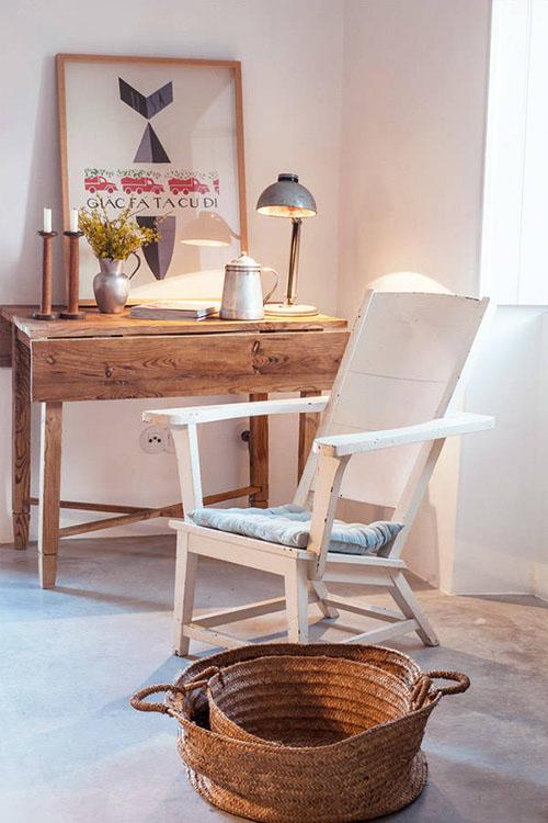 Muebles de madera en los salones rústicos