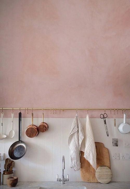 Pared de cocina pintado de color salmón
