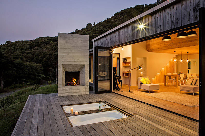 Terraza en una casa de madera de diseño moderno