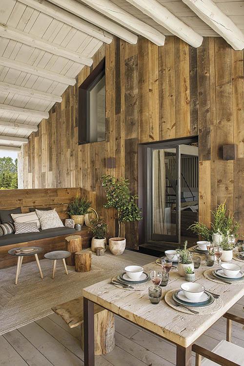 mesa de comedor exterior de madera