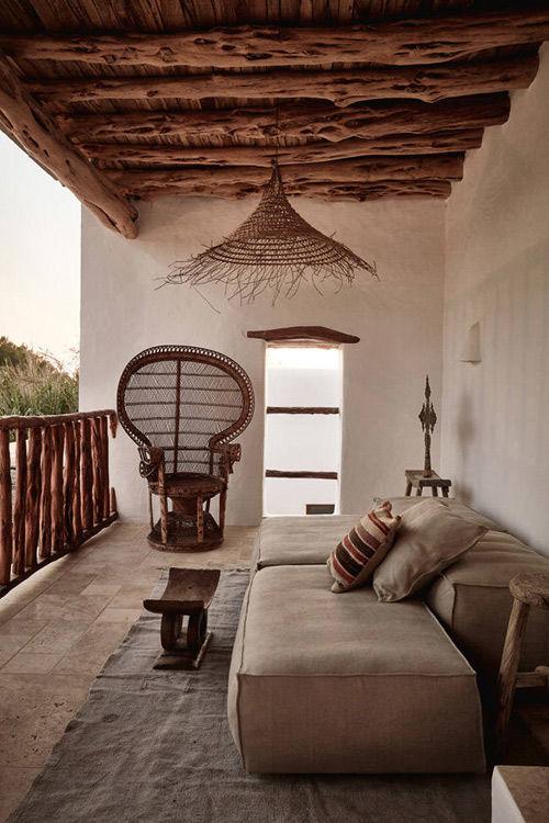 Sencillez y elegancia en una casa en Ibiza