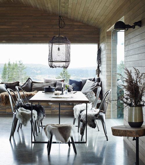 madera y elementos rústicos en un hogar escandinavo