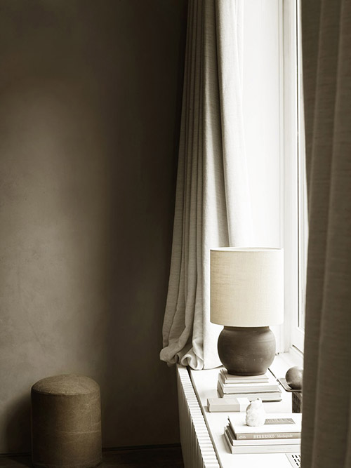 lámpara en la habitación