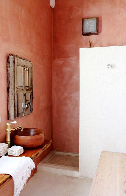 Colores tierra en los interiores de estilo mediterraneo