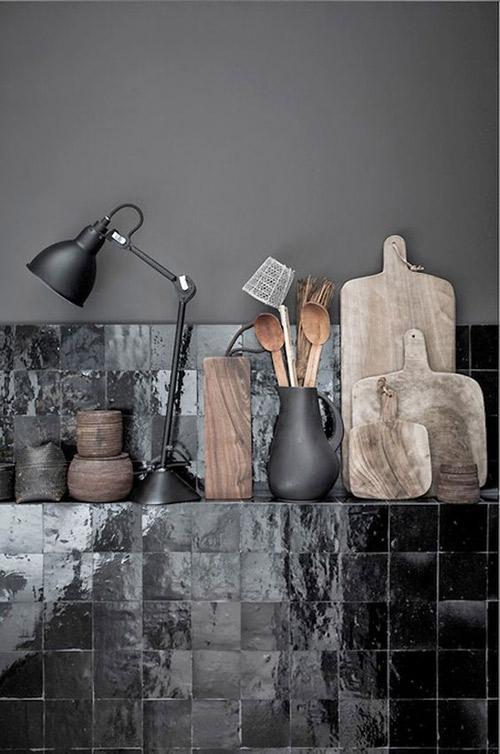decoración de cocinas con baldosas de color negro