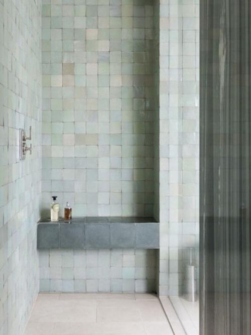 baños con baldosas zelliges marroquíes